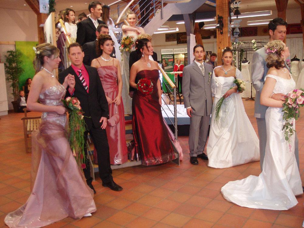 Brautkleid Com Brautmode Von Brautmoden Faiss Hochzeitsgala In